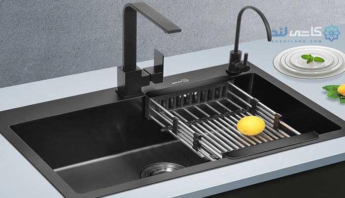 سینک ظرفشویی در آشپزخانه
